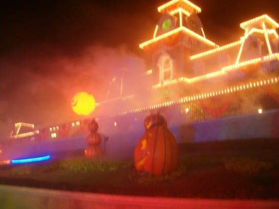 Disney World - Halloween Party Decor