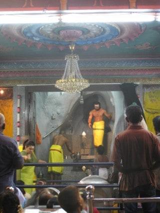 Hindu ceremony, batu caves, kuala lumpur, malaysia, peanuts or pretzels, travel blog