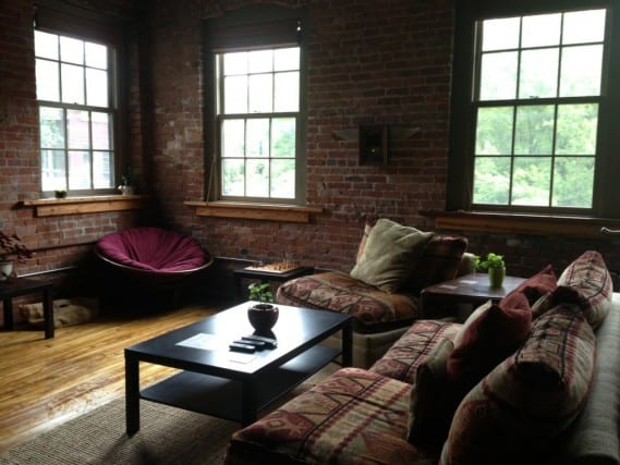 what is a hostel, hostel, asheville north carolina, common room, livingroom, common area, united states hostel, peanuts or pretzels travel blog