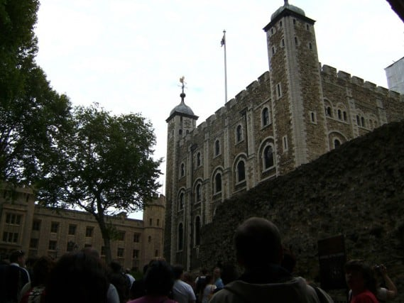 tower of london, tower hill london, the london tower, weekend on london, adventure travel, fun travel, peanuts or pretzels travel blog