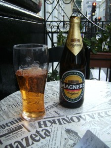 magners cider, brew pub in london, pub food in london, beer in london, london england, europe, adventure travel, fun travel, weekend in london, peanuts or pretzels travel blog