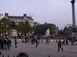 trafalgar square, london england, england europe, central london square, walking around london, fun travel, adventure travel, peanuts or pretzels travel blog