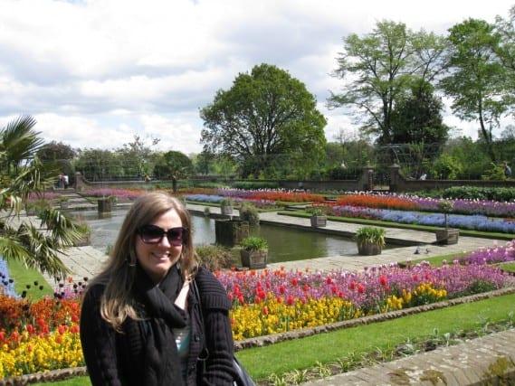 kensington palace gardens, kensington palace london, london england palaces, fun travel, adventure travel, peanuts or pretzels travel blog