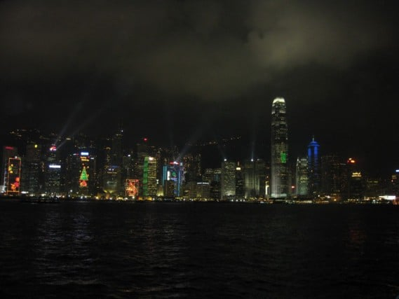 free things to do in hong kong, hong kong budget travel, budget travel in hong kong, hong kong light show, hong kong laser show, fun travel, adventure travel, peanuts or pretzels travel blog