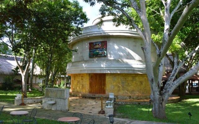 mayaland resort, chichen itza, chichen itza tours, mexico, yucatan, mayan tours, mayan history, cenotes, mexican, peanuts or pretzels, blogger, travel blogs, road trip, mayan culture, mayan ruins