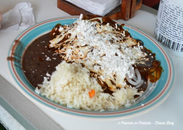 lunch in cancun, enmoladas de pollo, cancun off the beaten path
