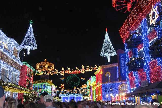 Crowds at Disney's Hollywood Studios at Christmas