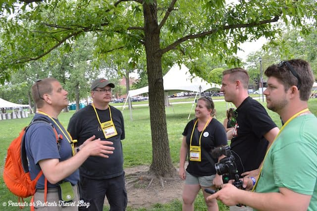 Geocachers from Near and Far Meet in St  Charles, Missouri