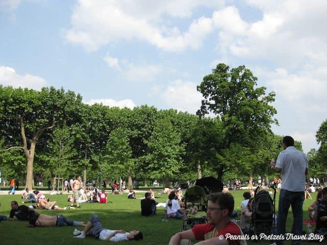 paris parks, things to do in paris, what locals do in paris, relax in paris, travel blog, peanuts or pretzels, visit a park in paris