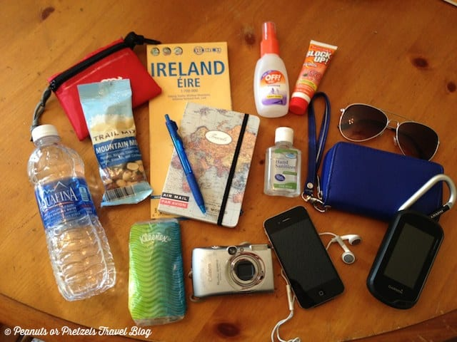 travel essentials, what to pack, day travel bag, travelbag, travel blog, travel bloggers, peanuts or pretzels, what should I bring on a trip
