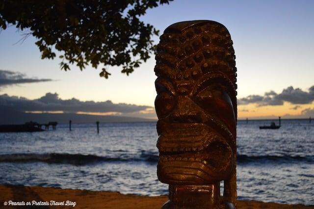 Laua statue