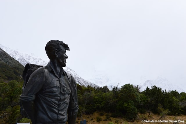 Statue of Sir Edmund Hillary, at Mt Cook National Park in New Zealand
