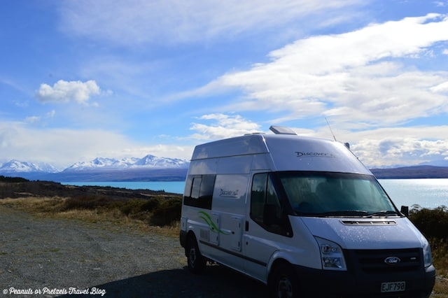 Camping next to lake - New Zealand RV Rental - Peanuts or Pretzels