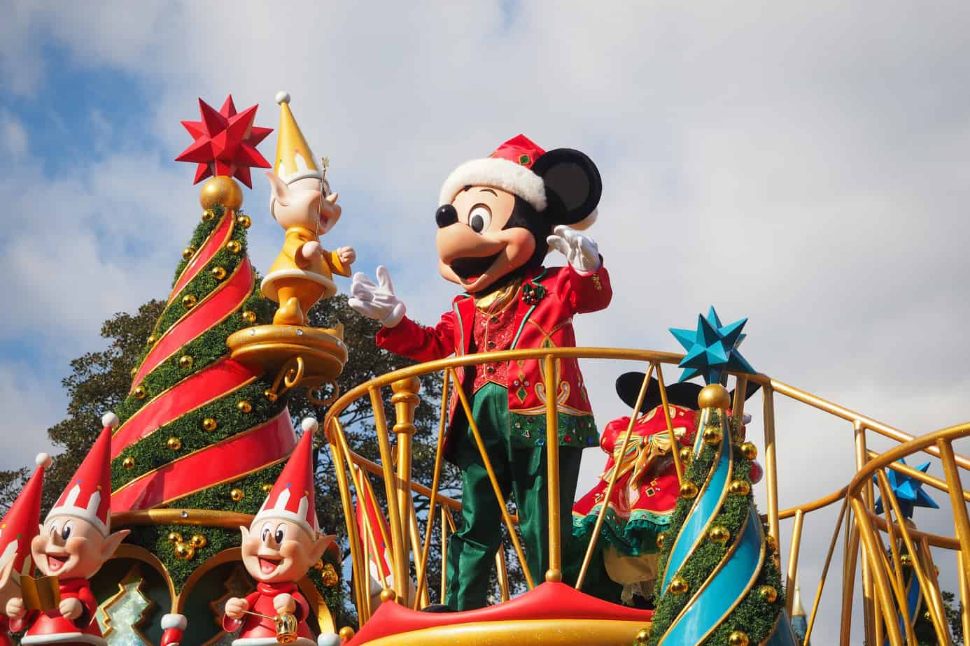 5 Tips for Planning (and Surviving) Christmas at Disney