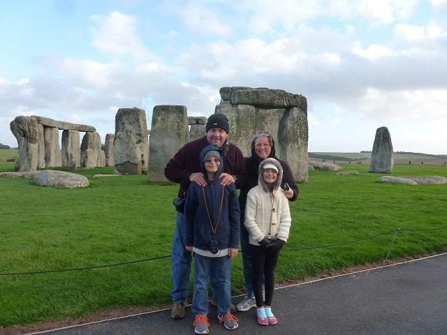 wagoners-abroad-stonehenge-england-1-1