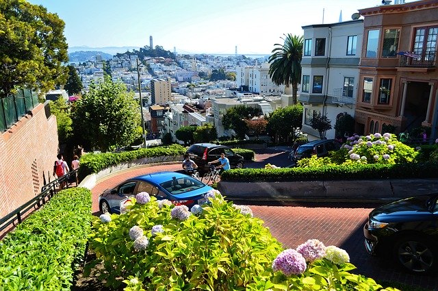 San Francisco famous street, things to do in San Francisco, Lombard Street