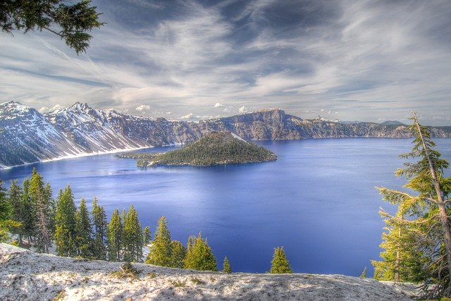 Crater lake national park view of lake